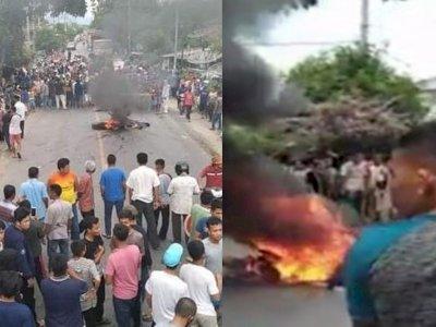 Mencekam! Warga Blokir Jalan Lintas Protes Kematian Terduga Pungli usai Ditangkap Polisi