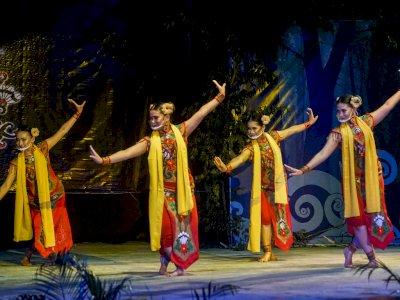 FOTO: Pagelaran Tari dan Teater Kolosan Dayak Kalteng
