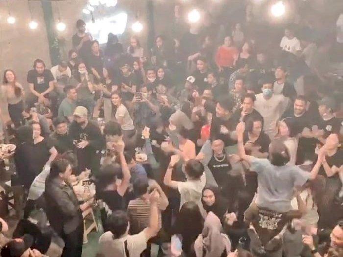 Heboh Kafe di Bekasi Langgar PSBB Disegel, Polisi: Sudah Diingatkan Berkali-kali
