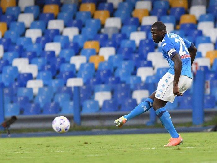 Dirumorkan Pindah, Napoli Yakin Kalidou Koulibaly akan Tetap Bertahan