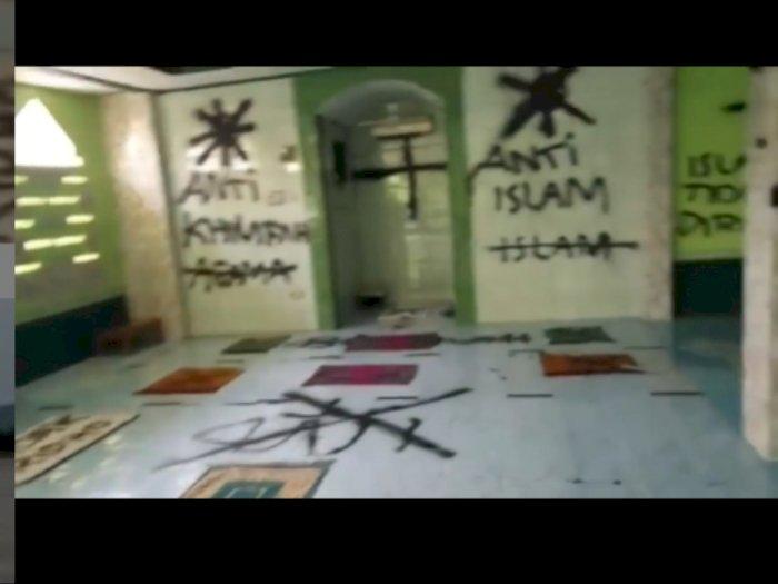 Musala di Tangerang Dicorat-coret, Alquran Dirobek Orang Misterius, Ada Tulisan Anti Islam