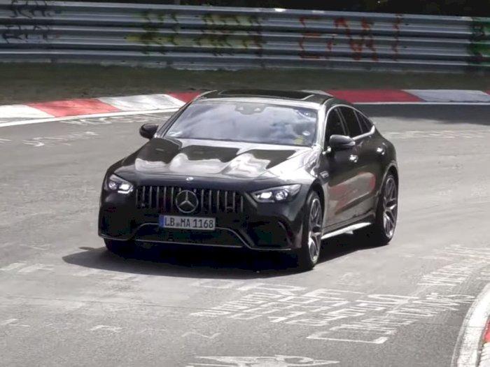 Mobil Mercedes-AMG GT 73e Terlihat Sedang Lakukan Uji Coba di Nurburgring