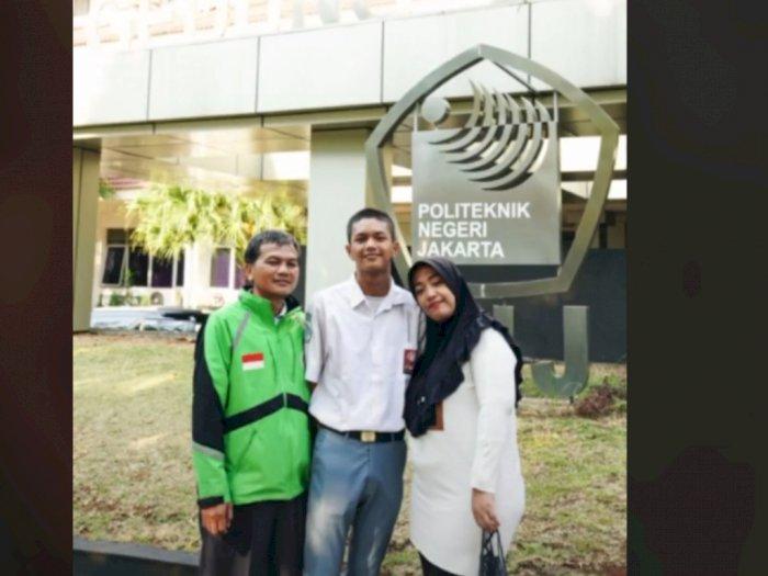 Cerita Anak Driver Ojol, Tak Mampu Kuliah hingga Akhirnya Raih Beasiswa, Bikin Terharu