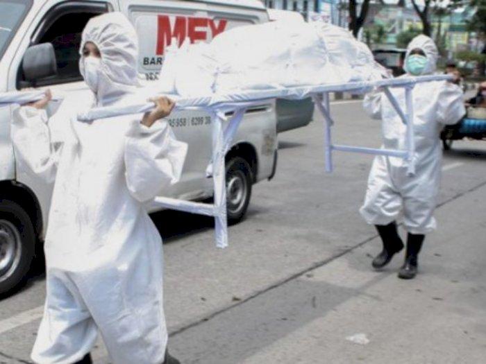 Razia Masker, Petugas Membawa Keranda Mayat dan Pocong