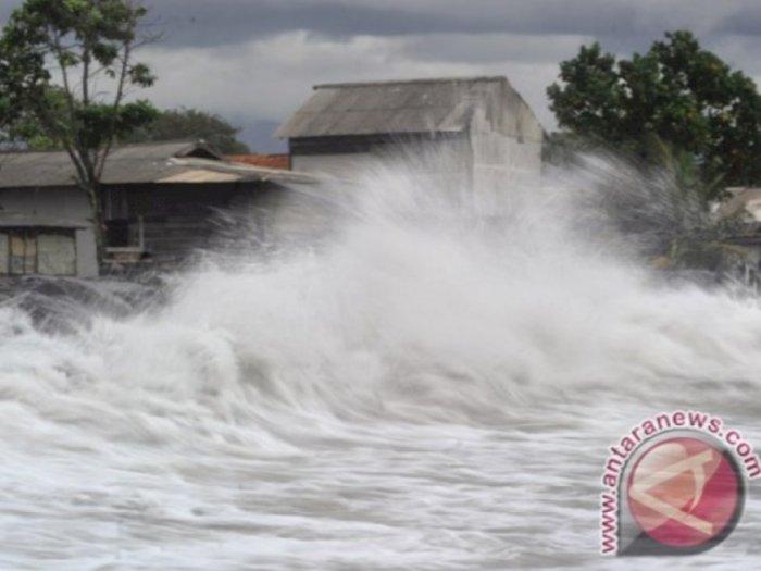 Waspada! Pulau Jawa Bakal Diterjang Tsunami Setinggi 20 Meter Jika Saja Hal Ini Terjadi