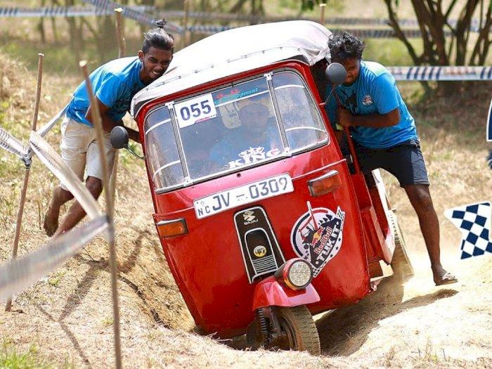 Bukan Pakai Mobil, Event Rally di Sri Lanka Ini Pakai Kendaraan Tuk-Tuk!