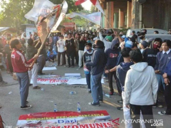 Demo Tolak PKI di Masa Pandemi COVID-19, Ratusan Peserta Aksi Dibubarkan Polisi