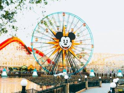 Disney Park Berhentikan 28.000 Karyawannya di Tengah Pandemi Corona