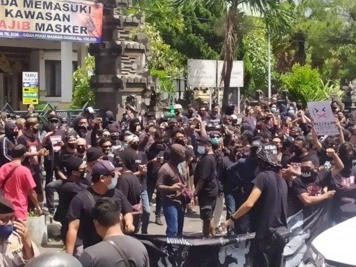 """Nekat Demo di Tengah Pandemi, Korlap Aksi Tuntut """"Bebaskan Jrx"""" Diperiksa Polisi"""