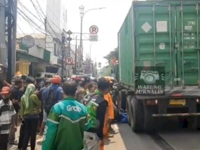 Duh! Ikut Iringan Mobil Jenazah di Jakarta Timur, Ibu 3 Anak Tewas Terlindas Truk