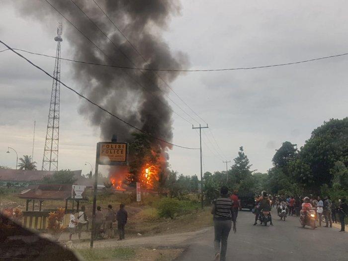 Begini Kronologi Massa Rusak hingga Bakar Kantor Bupati Keerom Papua Karena CPNS