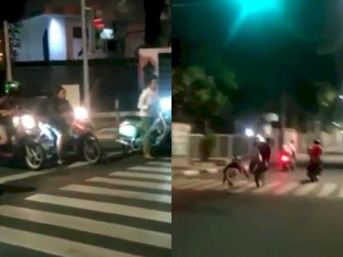 Sekelompok Pemuda ini Ugal-ugalan di Jalan dan Terjungkal, Netizen Kasian Dengan Motornya