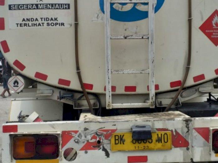 Tabrak Truk Tangki Minyak di Jalinsum Sergai, 2 Mahasiswa Tewas di Tempat