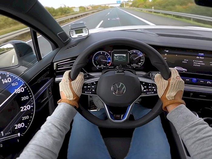 Seperti Ini Performa Volkswagen Touareg R Saat Dibawa Melaju di Jalanan