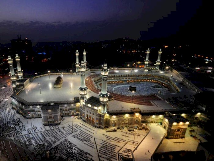 Setelah 6 Bulan Lockdown, Kota Suci Mekkah Resmi Buka Lagi Untuk Layanan Ibadah Umrah