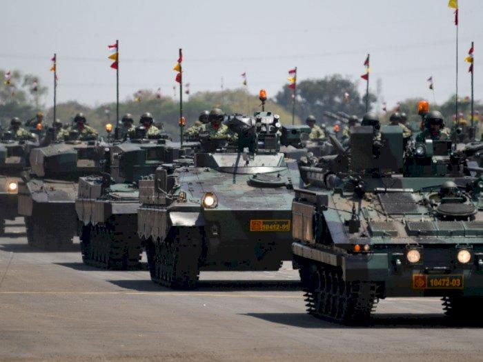 HUT ke-75, Jokowi Minta TNI Bertransformasi Sesuai Dinamika Ancaman dan Teknologi Militer