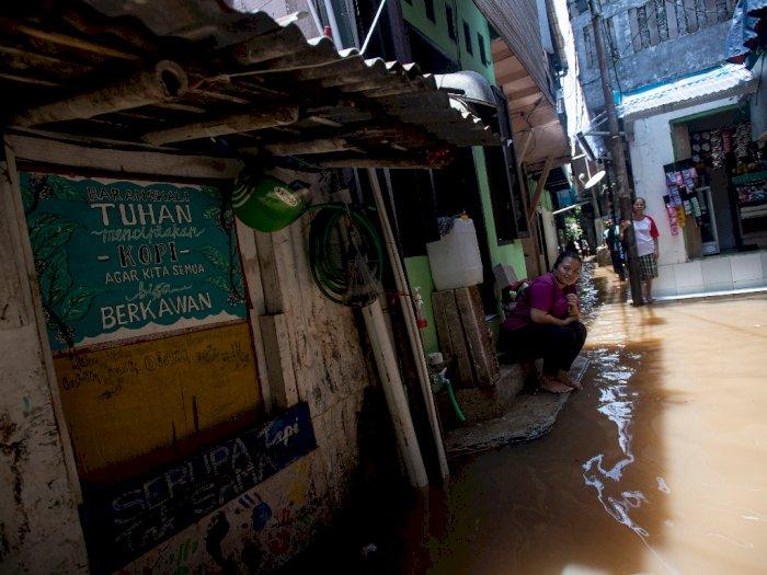 FOTO: Banjir Melanda Permukiman di Petogogan