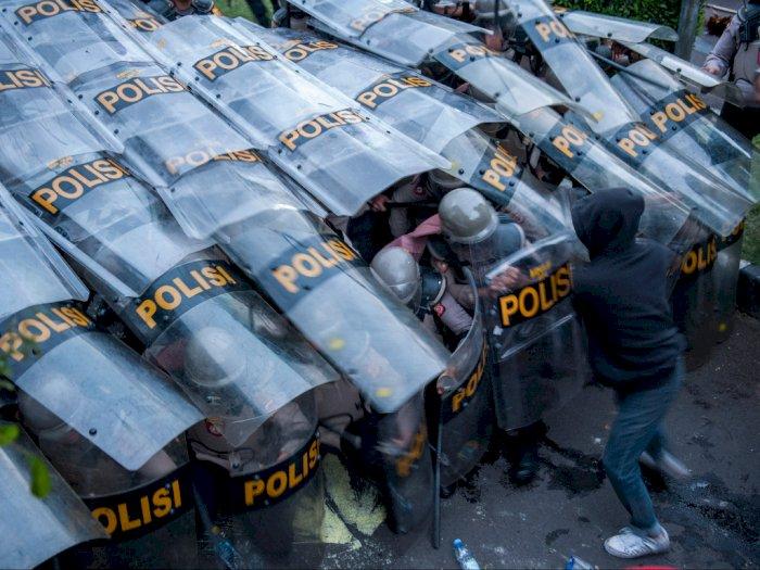 Polisi Sebut Massa Ricuh Demo Tolak UU Cipta Kerja di Bandung Bukan Buruh & Mahasiswa