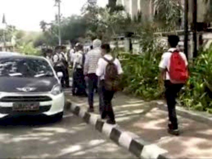 Belasan Remaja Diamankan Polisi di Sekitar Gedung DPR Jakarta