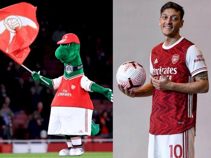 Murah Hati, Ozil Mau Bayar Gaji Maskot Gunnersaurus yang Dihentikan Arsenal