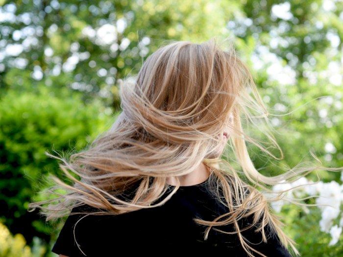 Tips Merawat Rambut Agar Tetap Sehat dan Berkilau