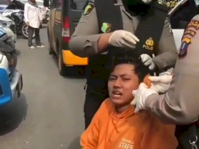 Terluka saat Demo di Depan DPRD Sumut, Pendemo Ini Diobati oleh Polwan yang Bertugas