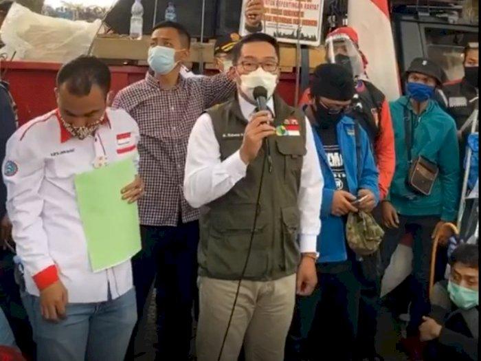 Ridwan Kamil Temui Pendemo, Terang-terangan Tolak Omnibus Law Bersebrangan dengan Jokowi