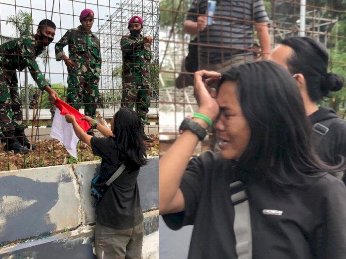 Mengharukan, Wanita Ini Berlari Seberangi Tol demi Serahkan Bendera ke TNI di DPR