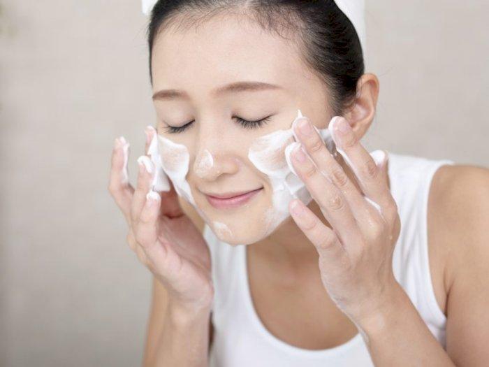 6 Tips Perawatan Kulit Wajah Bagi Remaja yang Rentan Berjerawat