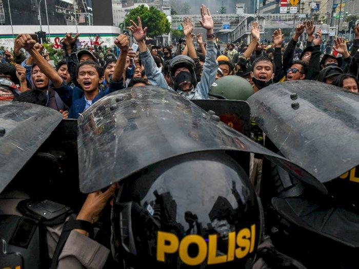 Total, 5.918 Massa Rusuh Demo Omnibus Law Diamankan Polisi