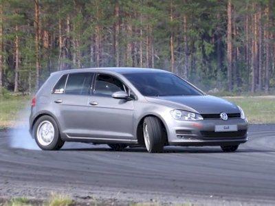 Mobil Volkswagen Golf Ini Hadir dengan Mesin V8 dan Berjenis RWD!