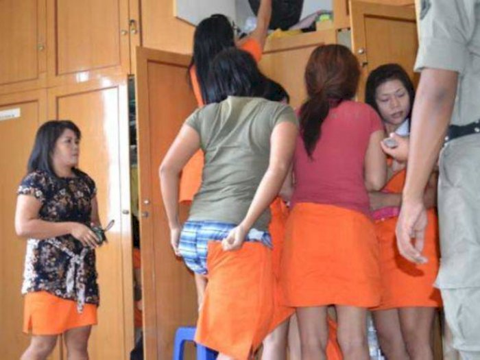 PSBB, Polisi Gerebek Panti Pijat, Belasan Perempuan Tertangkap