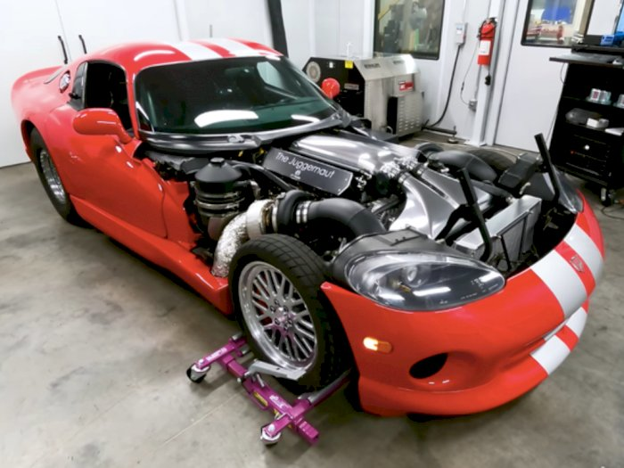 Gila, Mobil Dodge Viper dengan Mesin V-10 Ini Memiliki Tenaga 3.100HP!