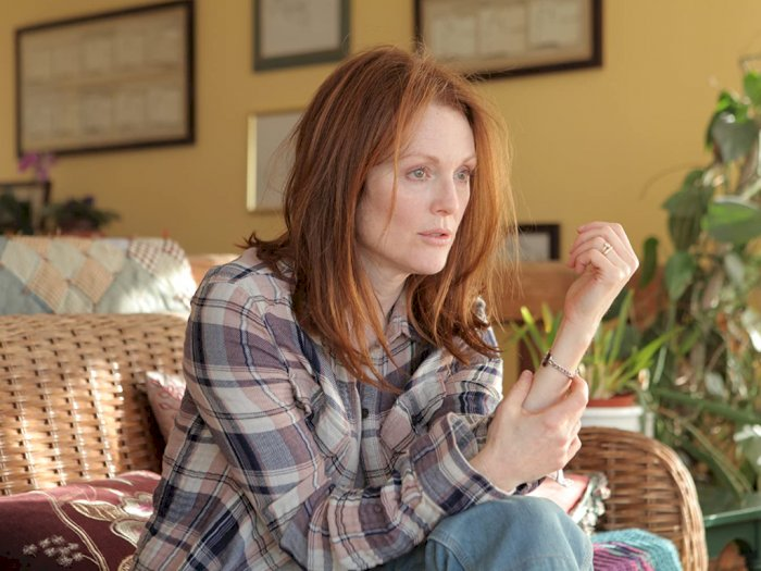 """Sinopsis """"Still Alice (2014)"""" - Kekuatan Keluarga Ketika Diuji Penyakit Alzheimer"""