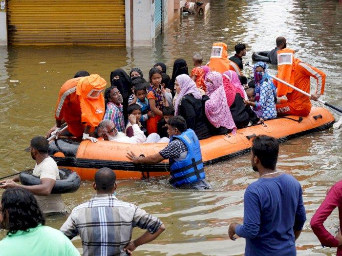FOTO: Banjir di India Menewaskan 60 Orang dan Merusak Tanaman