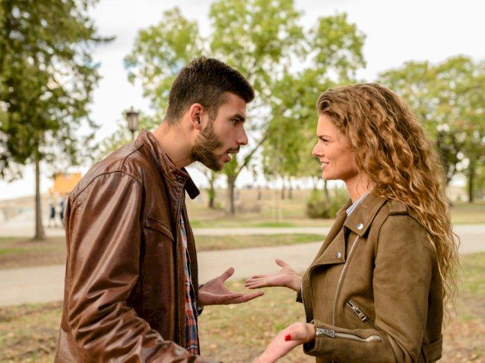 Bukan Masalah Komunikasi Semata, Ini Penyebab Lain Hubungan Menjadi Renggang