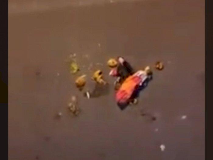 Merinding, Boneka Pesugihan Minta Tumbal di Jalan Raya, Video Viral di Medsos