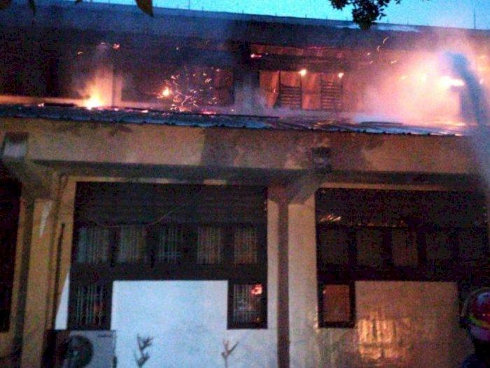 Fakultas Teknik Unimed Terbakar, Laboratorium Mesin Kampus Hangus Dilalap Si Jago Merah