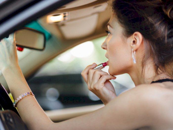Tak Perlu Bingung, Perhatikan Hal Ini Agar Kamu Bisa Memilih Warna Lipstik yang Tepat