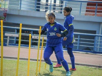 FOTO: Pelatda Sepak Bola Putri Jawa Barat