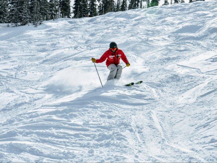 New York Izinkan Resor Ski Dibuka Kembali Mulai 6 November
