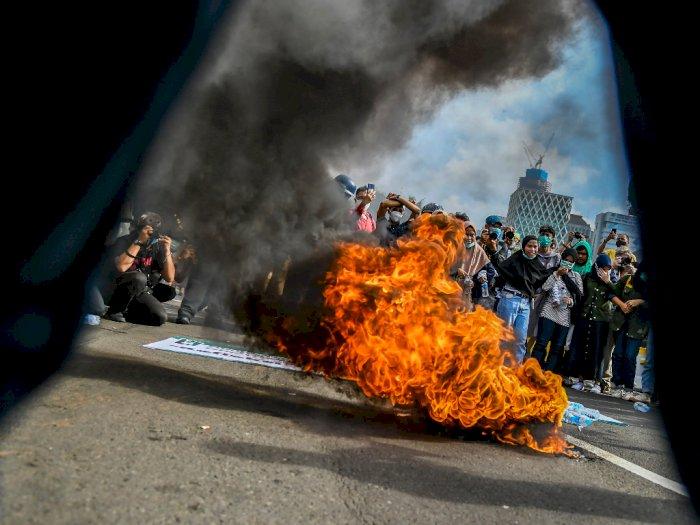 FOTO: Aksi Tolak Omnibus Law di Jakarta