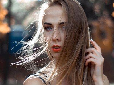 4 Cara Merawat Rambut Tipis Supaya Tetap Sehat