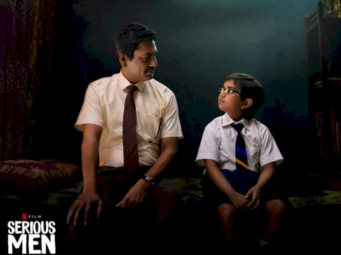 "Sinopsis ""Serious Men (2020)"" - Usaha Seorang Ayah Menaikkan Status Sosial Keluarga"
