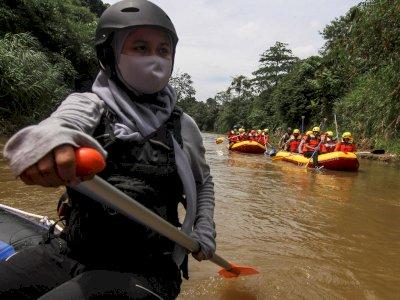 FOTO: Pelatihan Penanggulangan Bencana di Sungai Ciliwung
