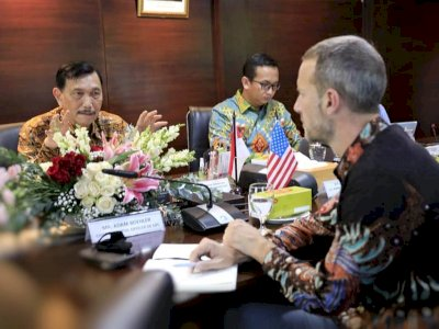 Terkait Impor Dokter, Luhut: Cegah Warga Indonesia Berobat ke Luar Negeri