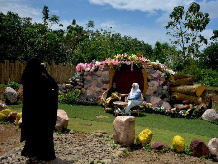FOTO: Wisata Rumah Hobbit Bollangi di Gowa
