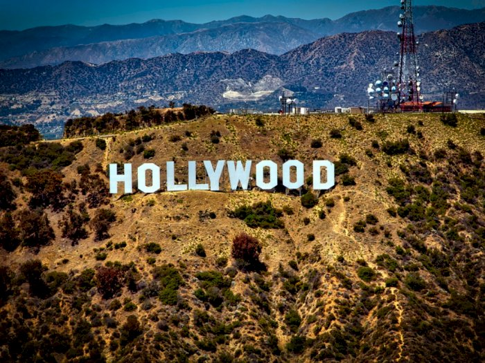 Sejarah Lambang Hollywood, Tanda Sementara dari Pembangunan Perumahan