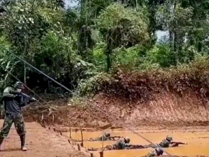 Merayap Sambil Ditembaki, Video TNI Latihan Ini Bikin Deg-degan, Netizen: Kalo Kena Gimana