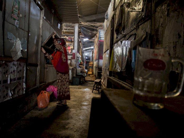 FOTO: Pasar Harjodaksino Tutup Sementara Akibat COVID-19